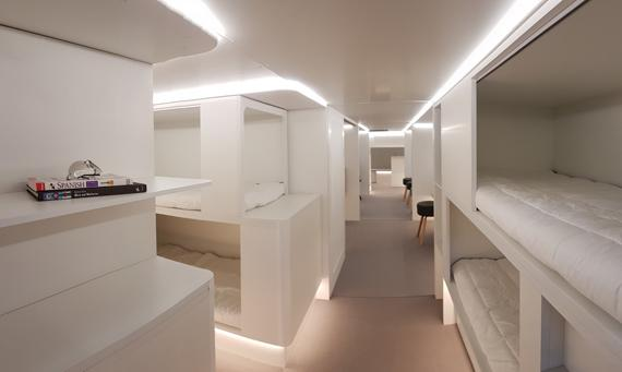Airbus and Zodiac Aerospace enter into a partnership for a new lower-deck passenger sleeping facilities